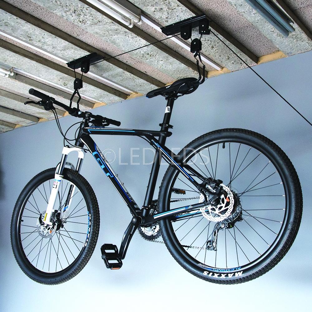 supporto appendi bici mtb staffa bicicletta soffitto garage carrucola gancio ebay. Black Bedroom Furniture Sets. Home Design Ideas