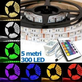 STRISCIA A LED SMD 5050 300LED 5 M METRI STRIP RGB BOBINA LUCE MULTICOLOR COLORI